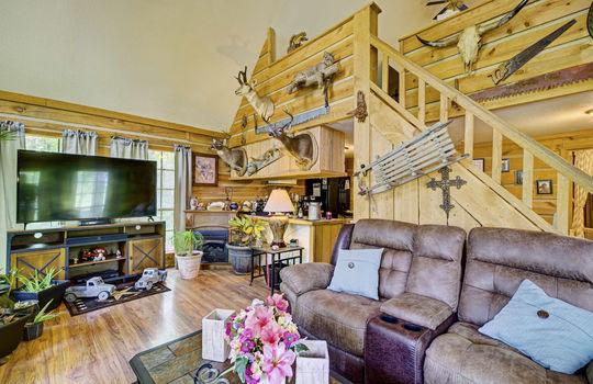 WEB_LQ_Cabin2_Livingroom2