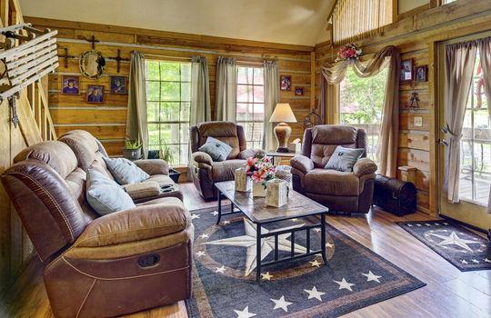 WEB_LQ_Cabin2_Livingroom4