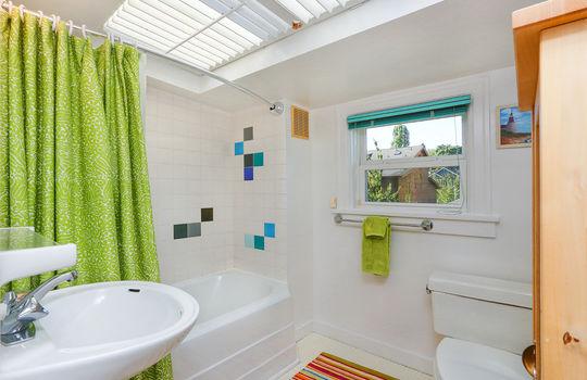 020_Full Bath