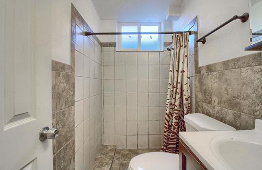 07_Bathroom_IMG_9138