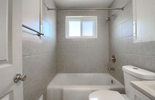 07_Bathroom_IMG_9398