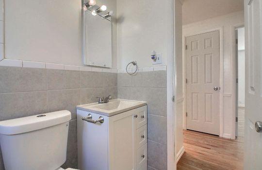 07_Bathroom_IMG_9418