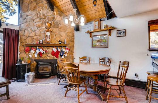 565-elk-valley-drive-evergreen-small-008-4-dining-room-666×443-72dpi