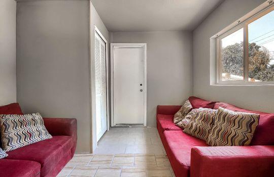 01_Living_Room_IMG_1752