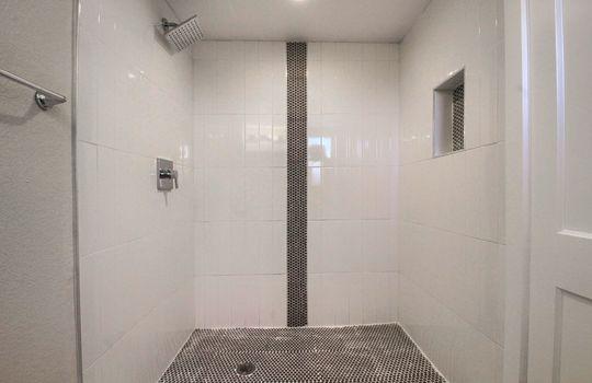 05_Master_Bathroom_IMG_0576