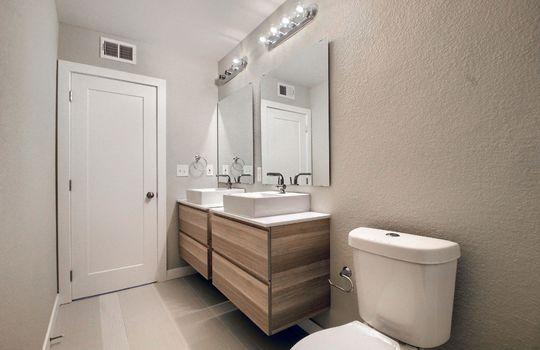 07_Bathroom_IMG_0646