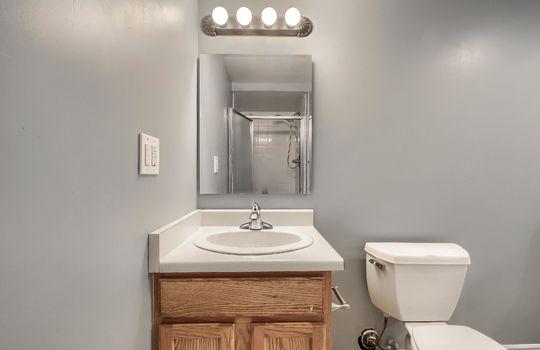 07_Bathroom_IMG_3947