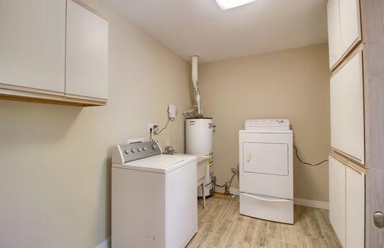13_Laundry_Room_IMG_0766