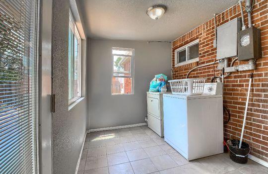 13_Laundry_Room_IMG_1817