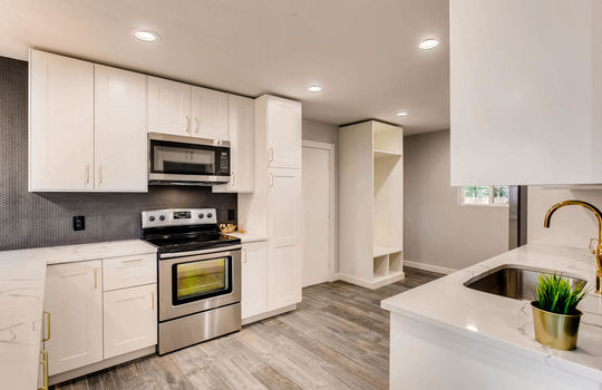 1481 E 95th Ave Thornton CO-large-004-6-Kitchen-1500×1000-72dpi
