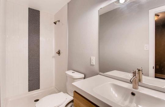 1481 E 95th Ave Thornton CO-large-007-2-Master Bathroom-1500×1000-72dpi