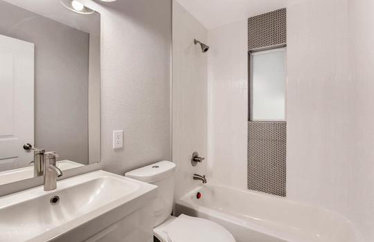 1481 E 95th Ave Thornton CO-large-010-11-Bathroom-1500×1000-72dpi