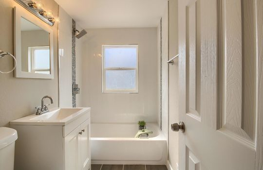 07_Bathroom__MG_0497
