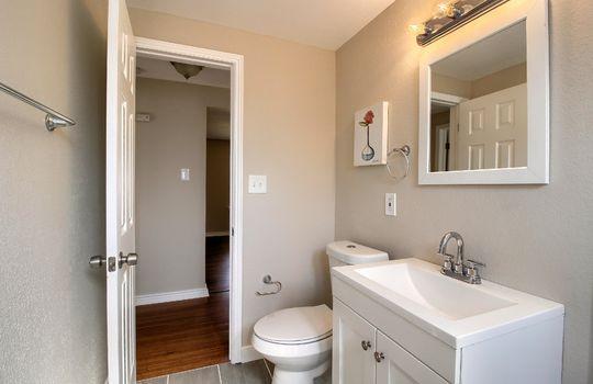 07_Bathroom__MG_0512