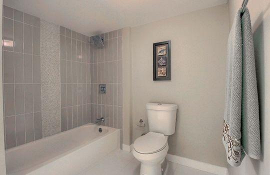 07_Bathroom__MG_0612