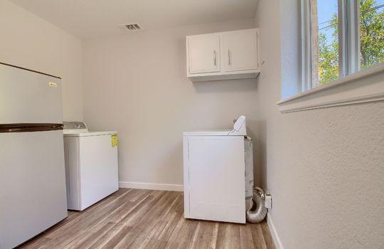 13_Laundry_Room_IMG_0876