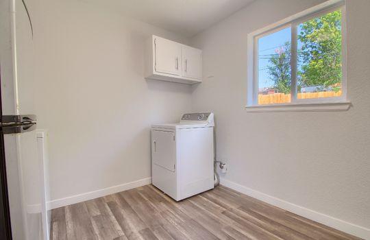 13_Laundry_Room_IMG_0886