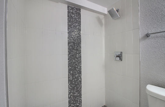 07_Bathroom_IMG_3354