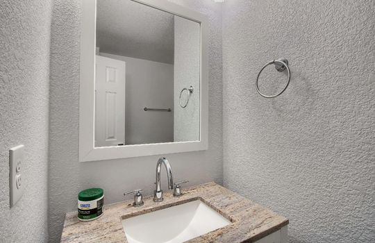 07_Bathroom_IMG_3444