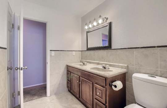 07_Bathroom_IMG_8191