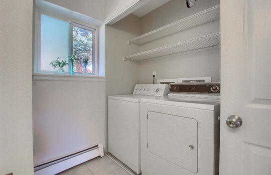 13_Laundry_Room_IMG_7930