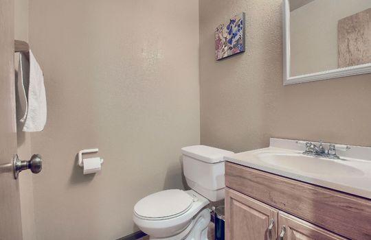 07_Bathroom_IMG_7453