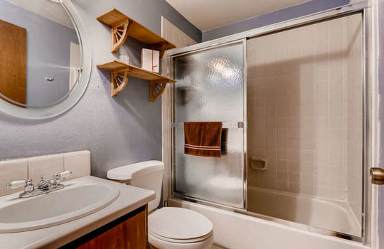 625 S Depew St B Lakewood CO-small-019-11-2nd Floor Bathroom-666×444-72dpi