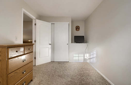 06_Bedroom_IMG_2025