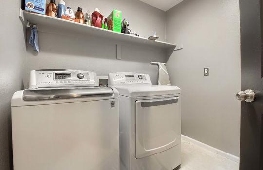 13_Laundry_Room_IMG_7987