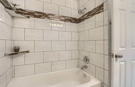 05_Master_Bathroom_IMG_0308