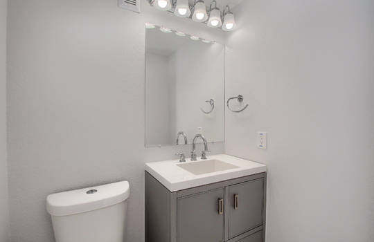 07_Bathroom_IMG_0521