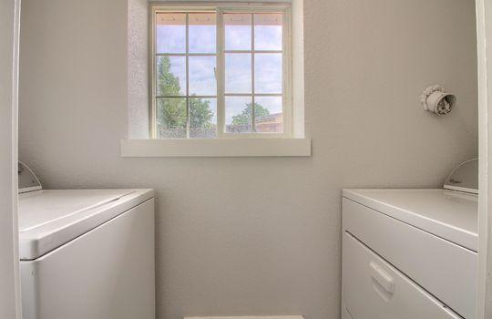 13_Laundry_Room_IMG_5597