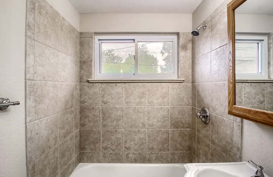 05_Master_Bathroom_IMG_8989