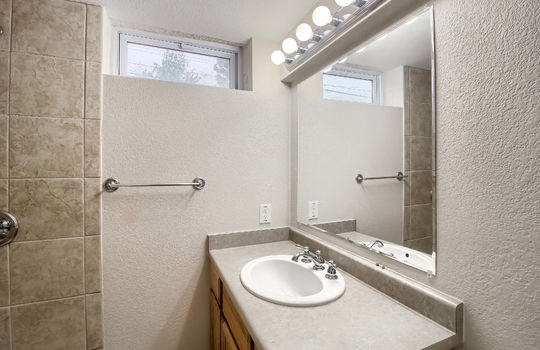 07_Bathroom_IMG_9169