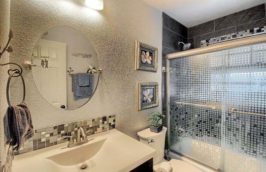 07_Bathroom__MG_9178