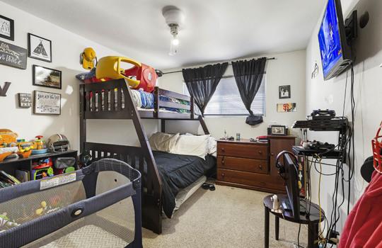 570_bedroom_1-2