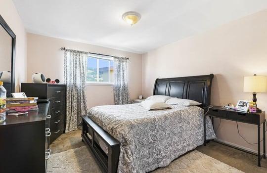572_bedroom_1-2