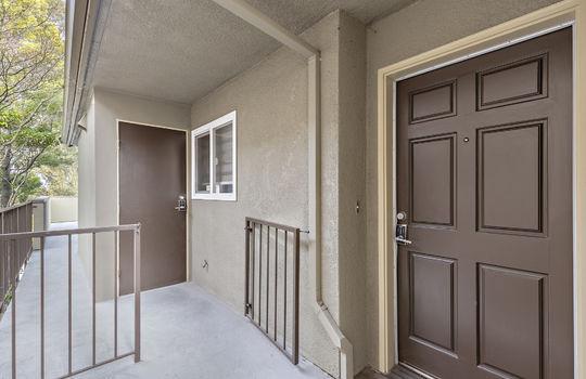 852_exterior-entrance-6