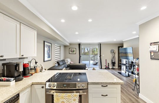 852_floor1_kitchen-12