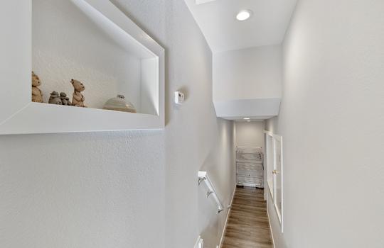 852_floor4_stairs-3