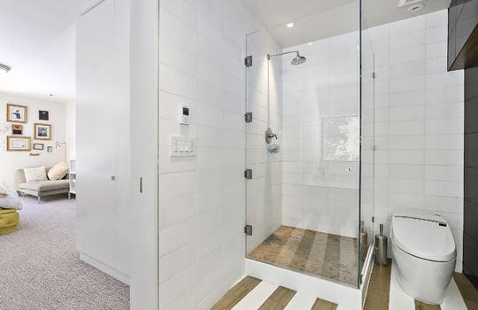 bedroom1-bathroom-3