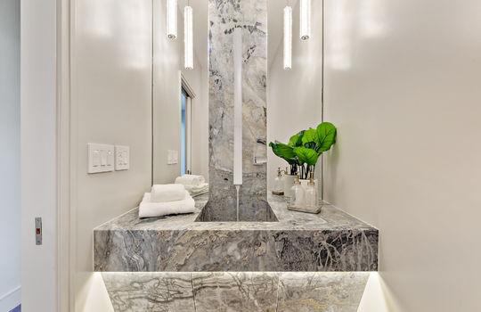 floor_1_bathroom_1-1