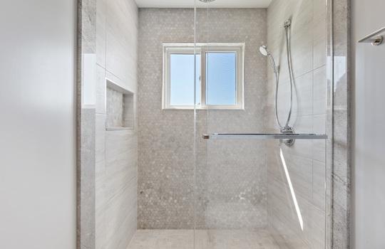 floor_2_bathroom_1-9