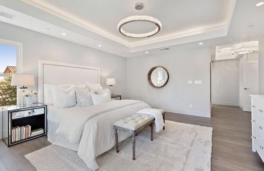 floor_2_master_bedroom-12