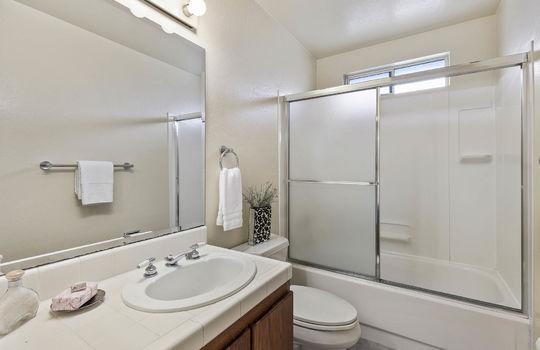 floor1_bathroom-1