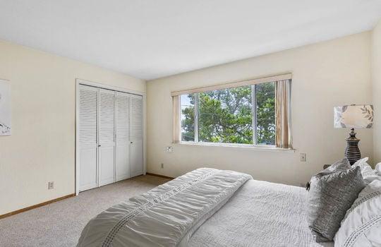 floor1_master_bedroom-16