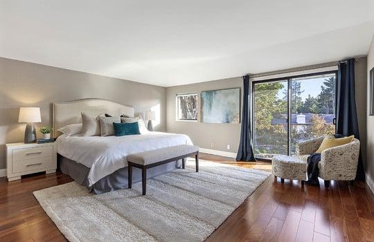level_2_master_bedroom-6