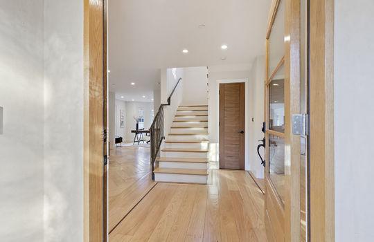 floor_1_foyer-1