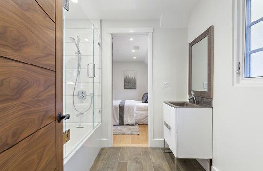 floor_2_bathroom_1-1