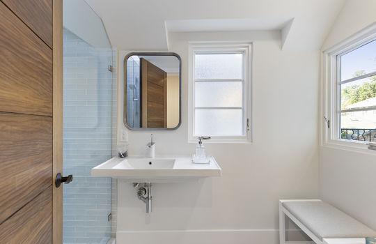 floor_2_bathroom_2-1